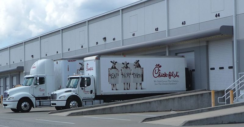 Chick-fil-A_truck_at_Airport_West_Distribution_Center